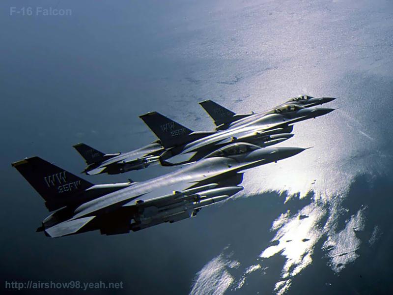 壁纸800×600F16隼式战斗机专辑壁纸 F16隼式战斗机壁纸壁纸图片军事壁纸军事图片素材桌面壁纸